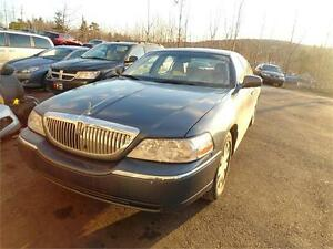 GREAT DEAL !!!2005 Lincoln Town Car Limited, BEAUTIFUL VEHICLE!