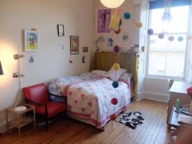 One room in a Sun filled flat of 5 in Glasgow's west end