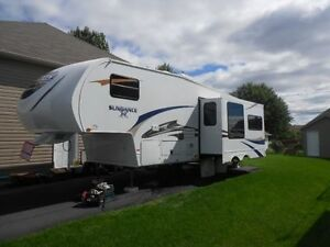 Fifth-Wheel Sundance 2011 Model 287 RL