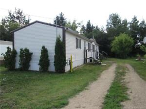 NEAR LACOMBE,AB- LOW PRICE! MOBILE+LAND $124,900
