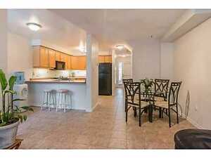 **LARGE 3+1BDR AND 2.5BATHRM TOWNHOME IN HIGH DEMAND AREA**