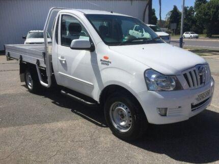 2013 Mahindra Genio White 5 Speed Manual Cab Chassis