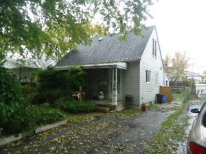 1212 OAK - ATTN investors or first time home buyers!