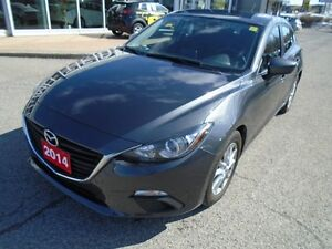 2014 Mazda Mazda3 LOW KM!**BACKUP CAM, CRUISE & BLUETOOTH** GS S