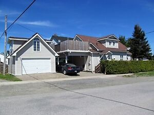 Renovated Home with Garage and Loft in Kirkland Lake!