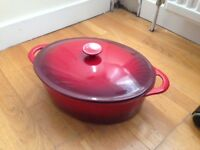 Large cast iron enamel casserole dish
