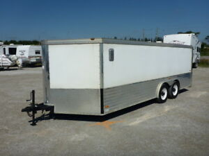 2006 Roadmaster 21 Ft T/A Enclosed Trailer