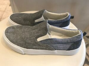 Youth Size 3 Slip on Canvas shoes