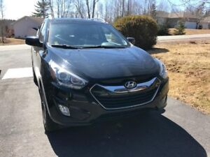 2014 Hyundai Tuscon- Great Condition- Ext. Warranty-Fully Loaded