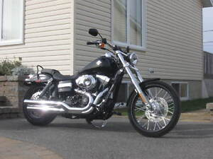 CONDITION SHOW ROOM HARLEY DYNA WIDE GLIDE. 15797 KM