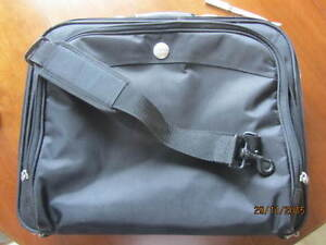 NEW DELL 15.6 INCH PROFESSIONAL LAPTOP CARRIER / BAG