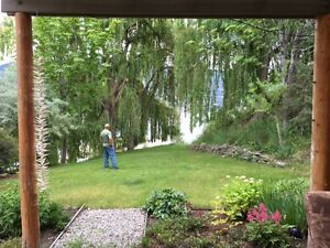 Cozy Skaha Lake View Walk-Out - Near beaches, KVR & wineries