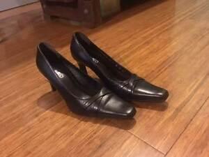 Italian Leather high heels women's Darlington Mundaring Area Preview