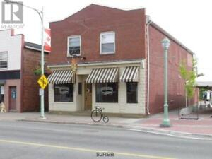 75 seat restaurant with 2 apts above,high traffic area of Sussex