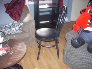 Colapsable kitchen table and 4 bar style dining chairs