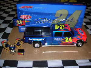 1/24 Jeff Gordon #24 Dupont 2005 Dually Tailgate Set!