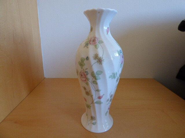 Wedgwood Rosehip Pattern Fine Bone China Vase 21 Cm Tall In