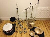 *EFFECTS CYMBALS AND HARDWARE* EXCELLENT CONDITION.