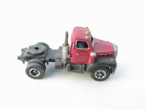 N-Scale-1953-66-Single-Axle-Truck-Bulldog-Model-B-by-Showcase-Miniatures-27