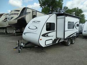 FOR RENT: 21' Prolite Max