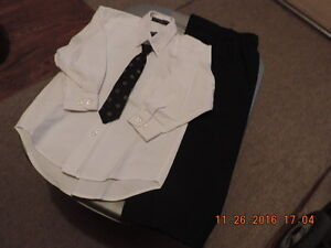 Boy's Size 4T Shirt, Tie and Dress Pants London Ontario image 1