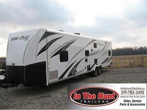 2016 Work and Play 30WRS Toy Hauler **ON SALE** SAVE SAVE SAVE London Ontario image 1