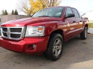 2008 Dodge Dakota SLT 4x4 Crew Cab - 4.7L V8 - Truck Bed Lid Cov