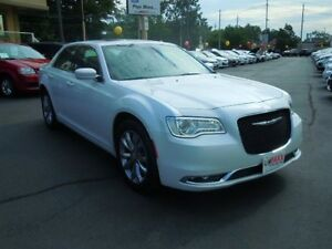 2016 CHRYSLER 300 TOURING- PANORAMIC SUNROOF, NAVIGATION SYSTEM,