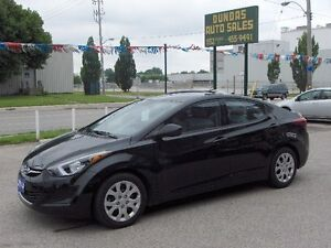2014 Hyundai Elantra GL Sedan Price Drop To sell !! London Ontario image 7