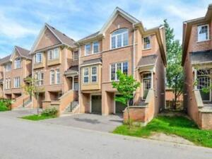 3 Bed End Unit Townhouse In Mississauga