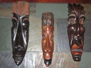 Masque en bois 15$ chacun