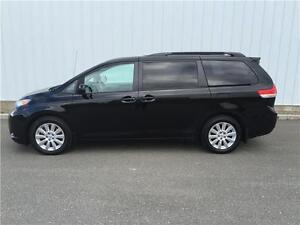 2012 Toyota Sienna LE MINT CONDITION, REAR VIW CAMERA, AWD