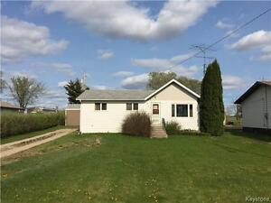3 BR home on over sized yard with garden space in Shoal Lake MB!
