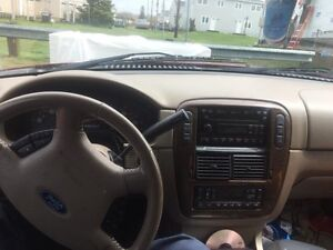 2004 Ford Explorer SUV, 8 Seater