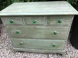 Chest of Drawers. Vintage/Shabby Chic