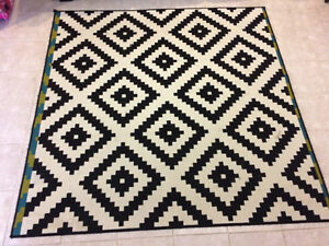 Geometric Black & Cream Rug