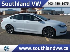 2016 Chrysler 200 S **LEATHER-SUNROOF**