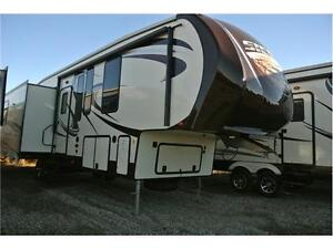 Fully loaded up couples 5th wheel. w/winter package