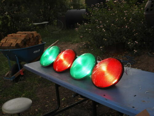 Dialight green and red led traffic light