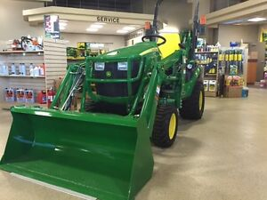 JOHN DEERE NEW 2015 1025R TRACTOR, BACKHOE AND LOADER CLEARANCE