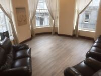 Fantastic Location - 2 Bedroom Fully Furnished 3rd Floor Flat - Immediate Entry