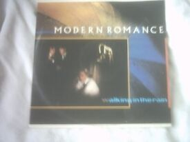 Vinyl 12in 45 Walking In The Rain / Walking In The Rain ( Blues) / Dance To The Music Modern Romance