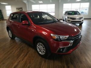 2018 Mitsubishi RVR SE 2.0L Selectable 4x4 Drive, Back Up Camera