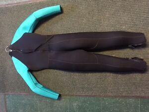 Womens Oceaner 7mm Wet Suit & Sleeveless Tunic
