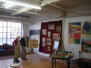 Artist wishes to share 700.sq ft studio / Atelier a Partager