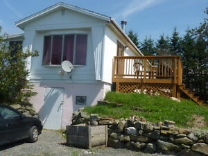 2 Bedroom Bungalow Great for Seniors/Professional Couple