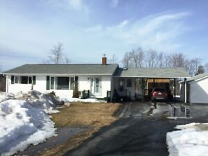 Bungalow on 23+ Acres in Minto W/ Waterfrontage