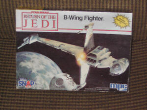 Vintage 1983 MPC scale model of B-wing fighter from Star Wars V