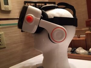 AWESOME 3D MOVIE & Game Virtual Reality Headset With Headphones