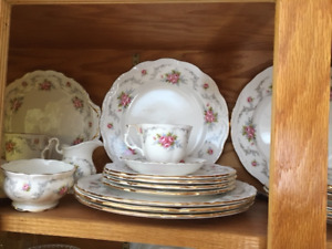 8 Place Setting Royal Albert Tranquility Plus completer pieces